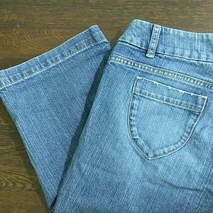 Banana Republic Bermuda Jean shorts size 4